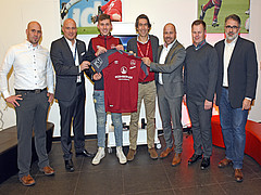 Hörluchs wird offizieller eSports-Trikotpartner des 1. FCN