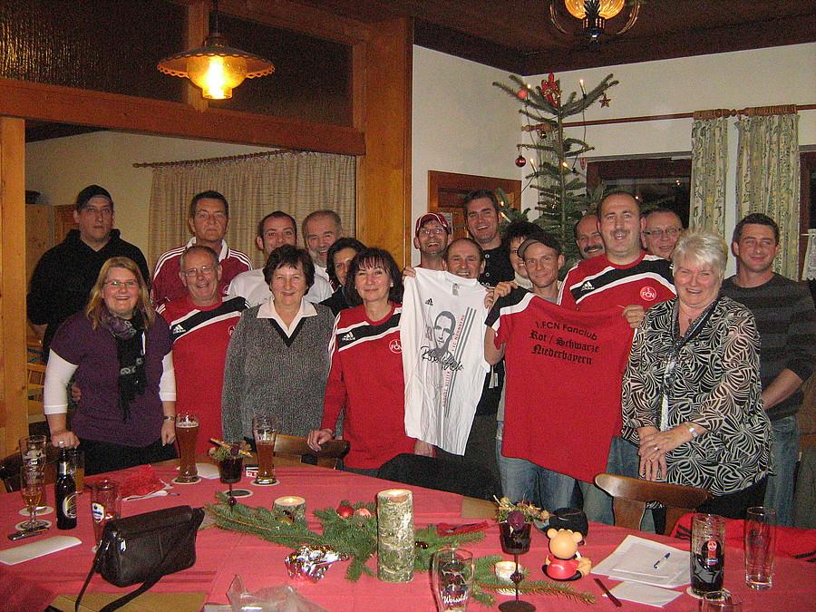 1 fc n rnberg weihnachtsfeier beim fan club rot schwarz niederbayern. Black Bedroom Furniture Sets. Home Design Ideas